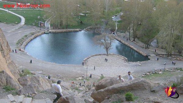 ۶۴۰px-Mount_Behistun-pond