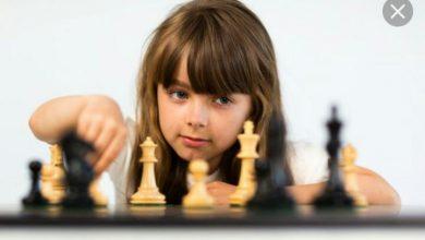 تصویر از کاسپارف شطرنج باز معروف در بازی شطرنج به یک آماتور باخت..!!😐