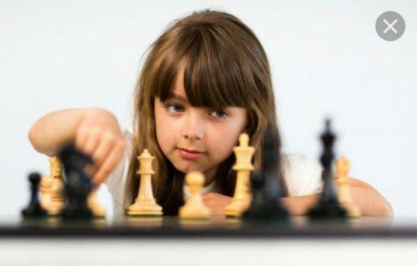کاسپارف شطرنج باز معروف در بازی شطرنج به یک آماتور باخت..!!😐