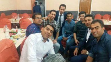 تصویر از در کنار دوستان همکلاسی